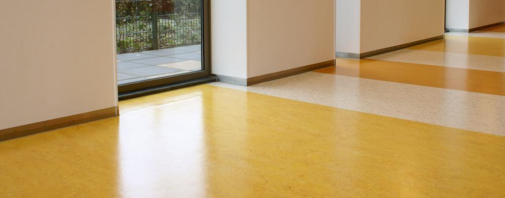 floorfacility-reinigen-linoleum-3